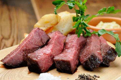熟成肉、そもそも「腐った肉」と何が違うのか?