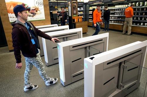 【レジ無しコンビニ】レジが不要の「アマゾン・ゴー」 年内に最大6店舗を計画