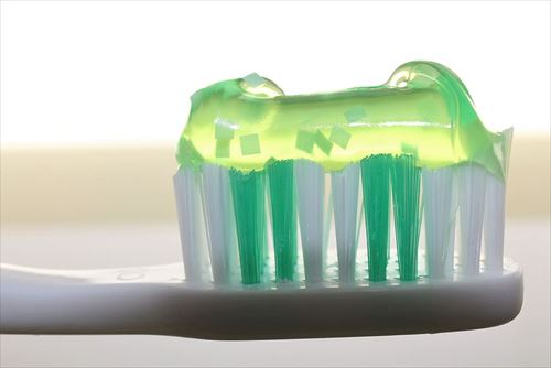 歯医者「歯磨き粉は要らない」←これ