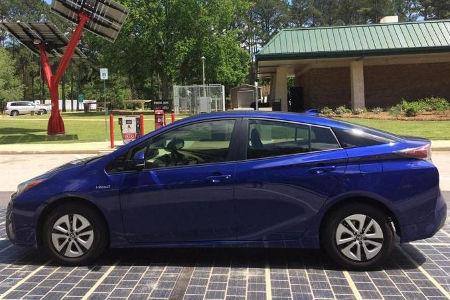 セブンイレブンがリニューアルした店舗の駐車場を太陽光パネルに やっぱりオーナーの負担になるの?