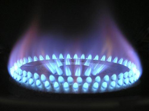 flame-580342_640_R