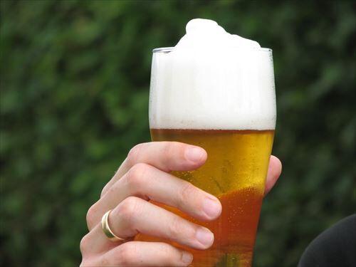 ビールって美味いモノではなくて一杯目が爽快なだけだよな