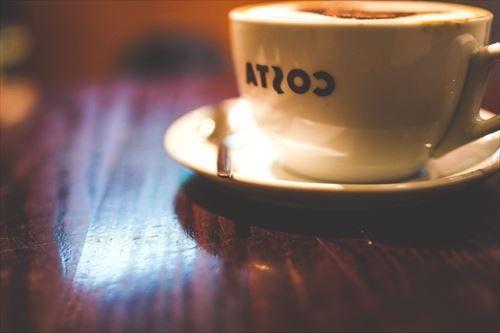 個人経営カフェ「アイスコーヒー450円サンドイッチ700円です…」 きみたち「たっか!!!!」