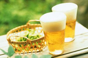 発泡酒と「第3のビール」統合、税額引き上げへ