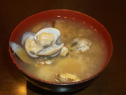Miso_soup_of_Japanese_littleneck_clam(asari)_2014_R
