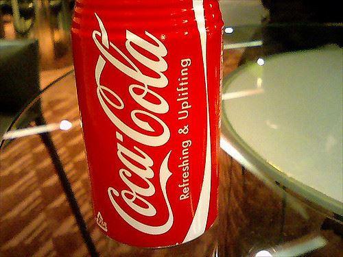 ワイ、毎日コーラ500ml缶を飲む