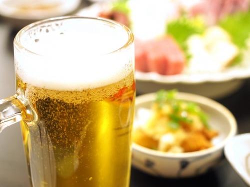 【悲報】ワイ忘年会幹事、会社の飲み会で4500円のコースにしたら高いとボロクソに言われる