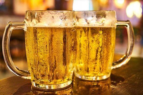 ガキワイ「ウィスキーまずッッ!ビール苦ッッッ!!!」