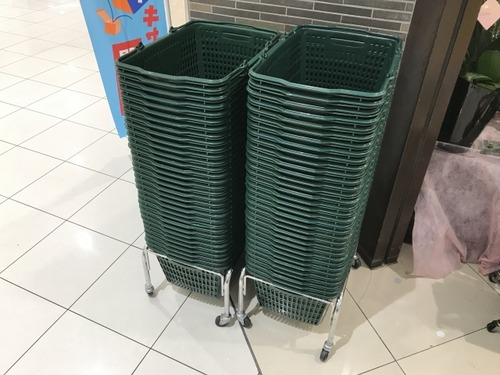 【悲報】レジ袋有料化でカゴを盗む「カゴパク」が大流行