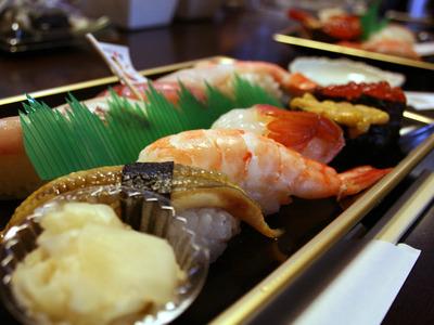 100円寿司はなぜこんなに差がついてしまったのか スシロー最強でくらもかっぱも、もはや足元にも及ばない