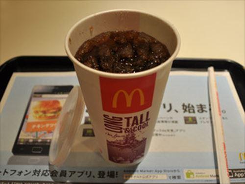 マクドナルドの薄いコーラはなぜうまいのか