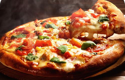 宅配ピザの高さは以上 スーパーで冷凍ピザ500円ので十分
