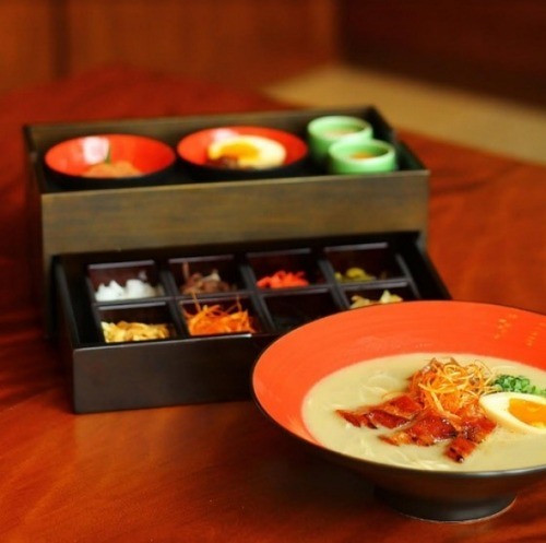 一風堂が高級ホテル「ザ・ペニンシュラ」で3400円のラーメンを提供 試食会は一泊200万円のスイートルーム