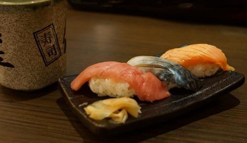 江戸前寿司職人「え?一番最初の注文がサーモン?」