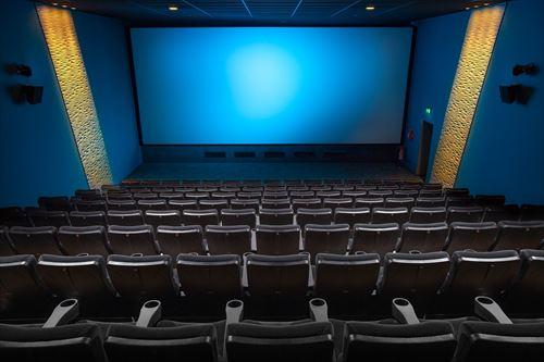 映画館に飲み物持ち込んでるヤツwwwwwwwwwwww