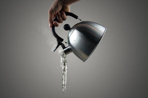 生活に困窮「温かいお湯ほしい」…事務所に侵入、ポットの湯2リットル盗む 長野県警、容疑の52歳男逮捕