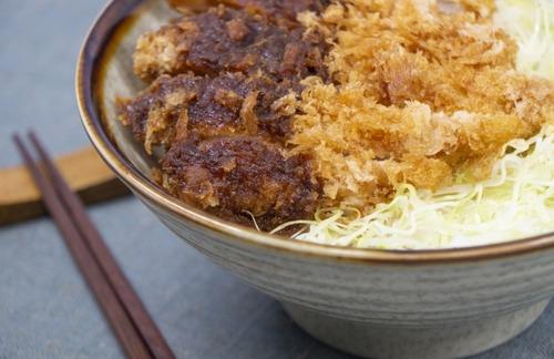 【朗報】愛知のカツ丼、美味そう