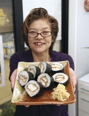 【滋賀】ブラックバス巻きずしに 大津の鮮魚店