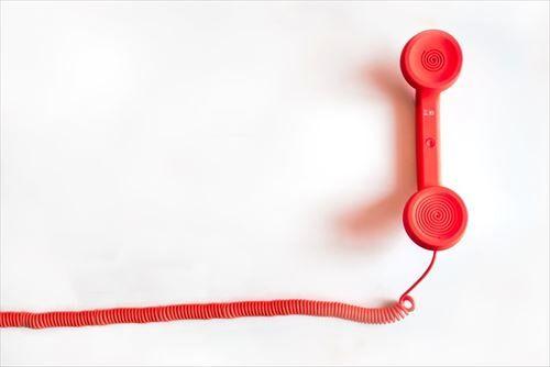バイト辞めるの伝えるのって電話でもええか?