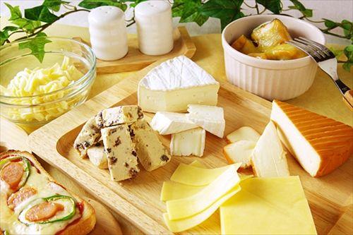 フランス人「プロセスチーズは子供しか食べない。大人はナチュラルチーズ」