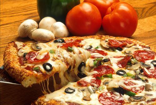 出前ピザ2000円、取りに行くピザ1000円、自作ピザ500円