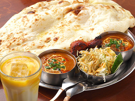 インド人って365日3食ともカレー味のもん食ってるのかな