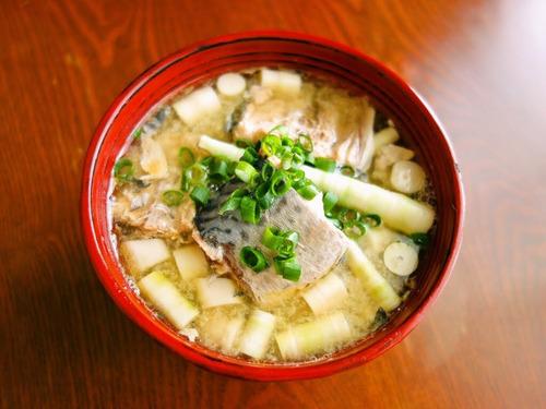 ワイ「よし!この味噌汁も形になってきたな!」長野県民「んほぉ~この味噌汁たまんねぇ~」