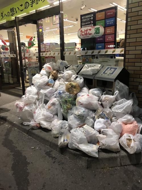 民度が高いはずの日本で花火大会の後は必ずこうなる