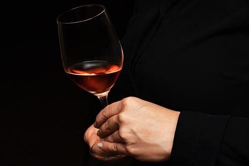 ローマ人「鉛のコップにワイン注いで飲んだら甘くてうめぇ!!!!」