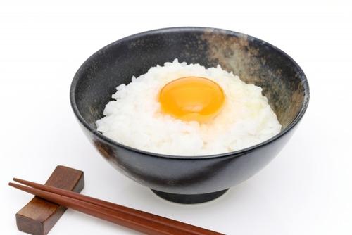 外国人から見ると卵かけご飯を食べる日本人って不思議に見えるみたいだな