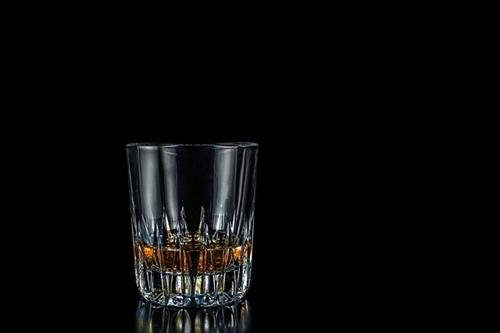 インドネシアで密造酒による死者数が90人に、非常事態宣言も宣言