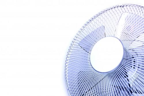 扇風機だけで夏を乗り切り倶楽部 部員急募