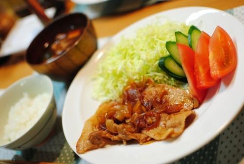 【悲報】女さん「旦那のおかずなんて生姜焼き→焼き魚→カレー→カレー→回鍋肉でいいww」