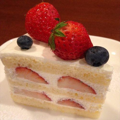 ワイケーキ担当大臣、ケーキの中のフルーツ全面廃止へ