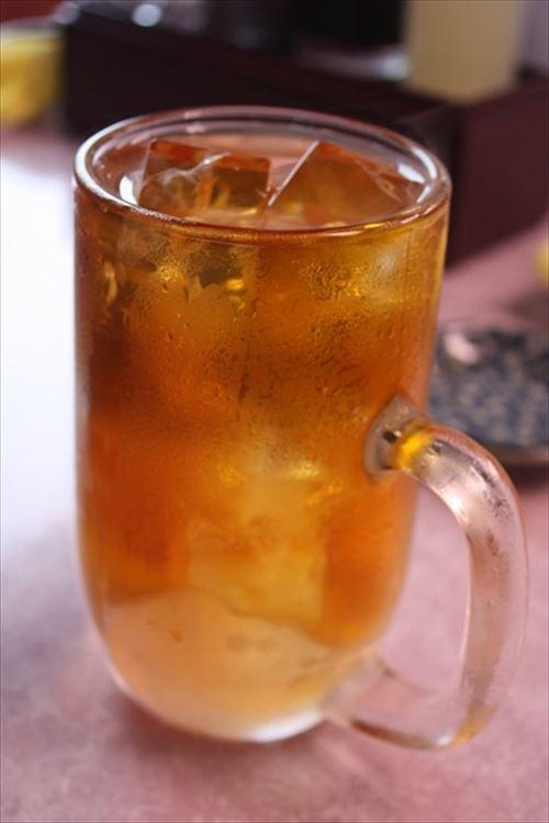 下戸が飲み会に参加するときは何で烏龍茶なの?コーヒーとかじゃあかんの?