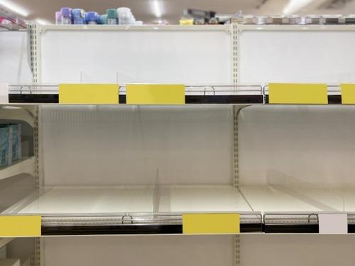 スーパーマーケットで食料買い占めてるやつアホか?