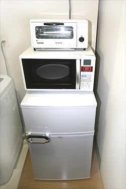 冷蔵庫の上にレンジ載せてその上にトースター載せてる一人暮らしの奴なんなの?