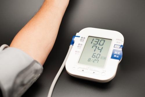 皮膚科で血圧測定190あって内科行ってねって言われたけど放置してても大丈夫だよな?