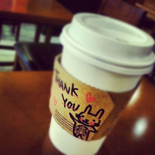 スタバ店員がカップに書く「一言」 強制ではなく自発的に書いている