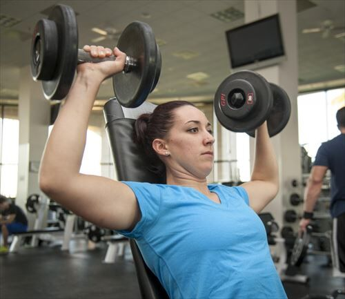 weights_lifting_power_female_gym_fitness_young_sport-755462_R