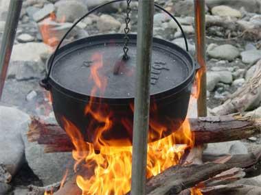夏のアウトドアに作ってみたいキャンプ料理のおススメレシピやキャンプに役立つ豆知識