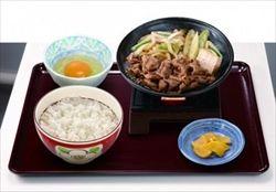 吉野家救った新メニュー「牛すき鍋」、すき家が追随へ 価格も同じで