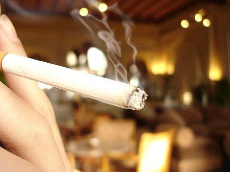 ハンバーグ店ハングリータイガー社長「禁煙による客離れをびびる店はメニューに自信がないのでしょう」