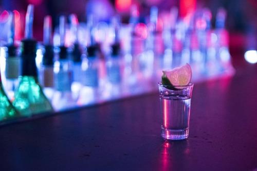 テニサーの飲み会「ウォッカ一気飲み」で学生死亡。 遺族「1億円損害賠償な。」
