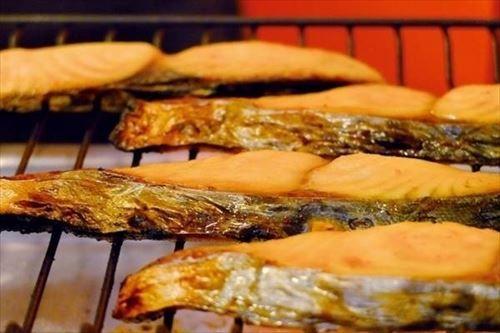 源頼朝「焼鮭うっま…こんな美味いもんこの世にあったんか!」←これマジ?