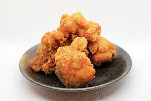 鶏のから揚げに中濃ソースかけてなにがわるい