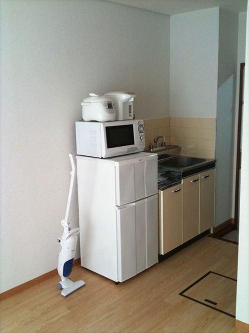 一人暮らしの家具家電を全部揃えるのって100万くらい必要?