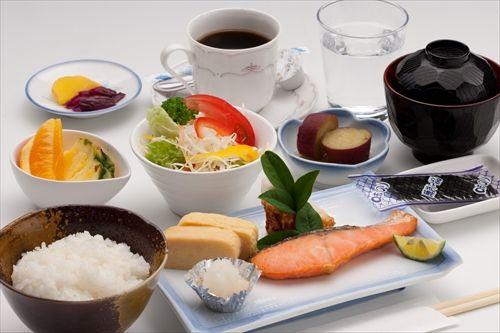 文部科学省「朝ごはん食べろ!成績よくなる!!!!」