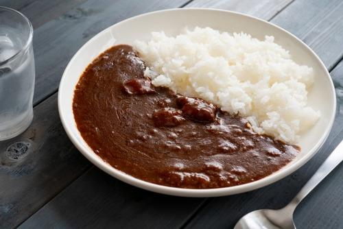 【悲報】カレー、中辛より辛口が人気だった