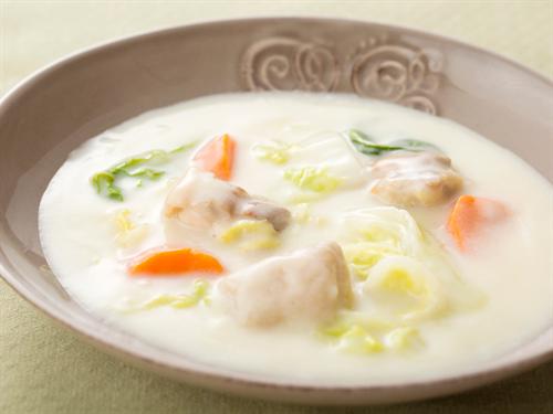 水なしで作る白菜と鶏肉のクリームシチュー 白菜とろとろ鶏肉柔らかで最高だよ
